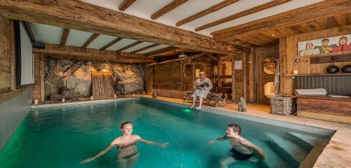 Luxe skichalet louer france for Piscine val d isere